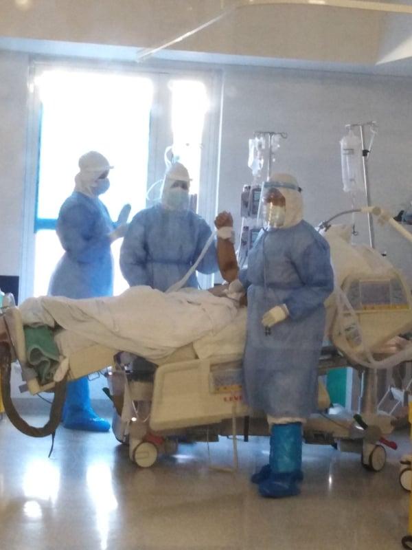 Με επιτυχία η πρώτη αποσωλήνωση ασθενούς από την ΜΕΘ COVID